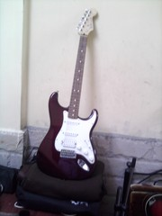 ELETRIC GUITAR FENDER STRATOCASTER MEXICAN