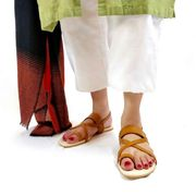 Buy Kokni Silver Flat Sandals at PAIO Shoes