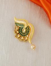 Buy an exclusive saree pin design at affordable price.