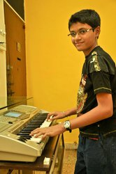 Music Classes Keyboard,  Guitar,  Piano and Western Vocals